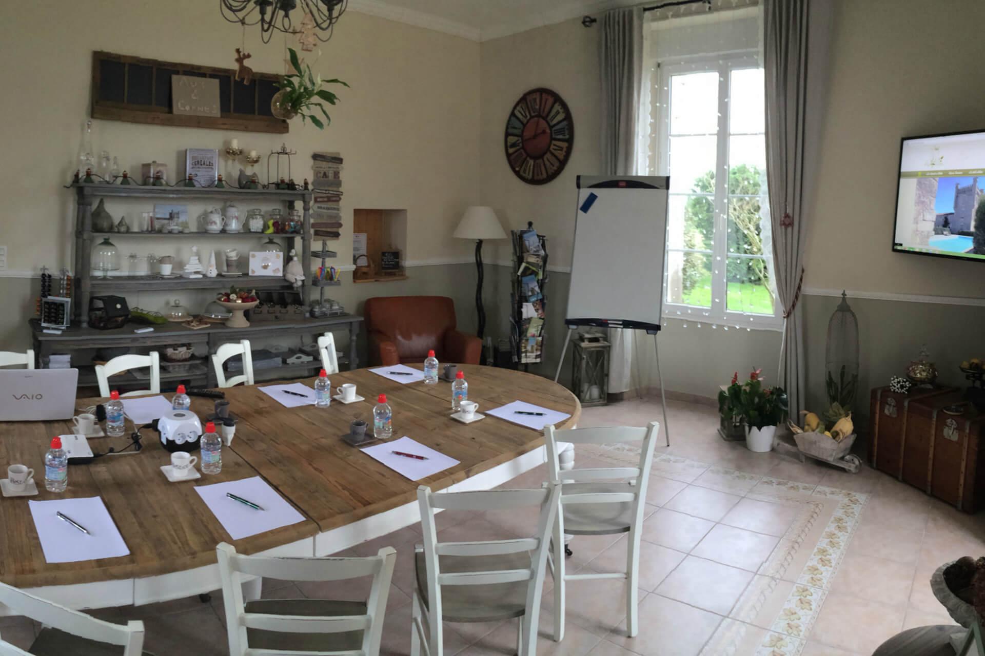 Espace Business avec location de salle de séminaire à la maison d'hôtes Aux 4 Cornes en Vendée
