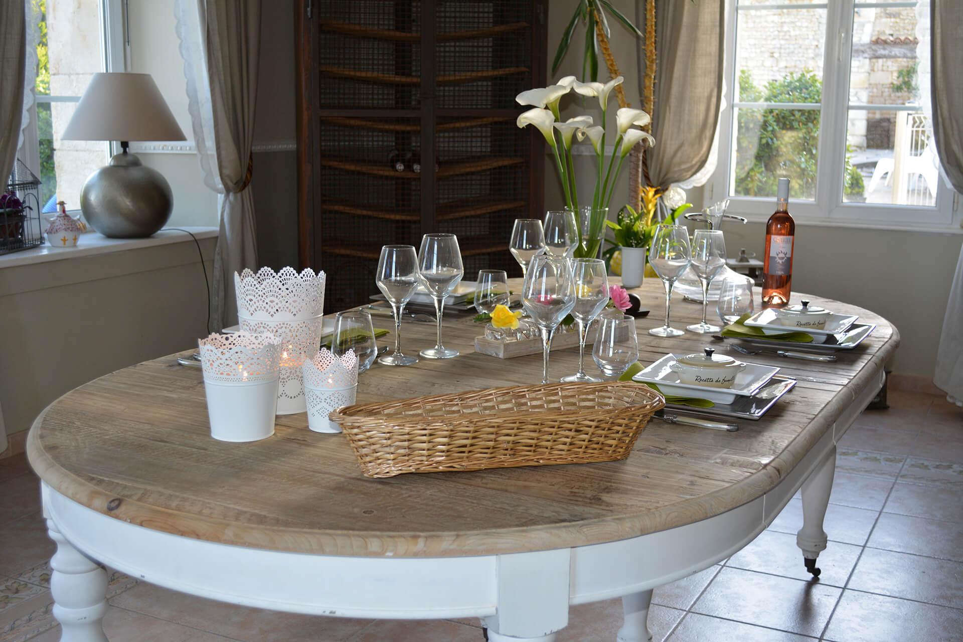 Table d'hôtes à la maison d'hôtes Aux 4 Cornes en Vendée